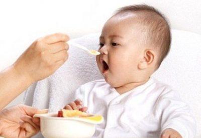 Trẻ 8 tháng biếng ăn và cách cải thiện