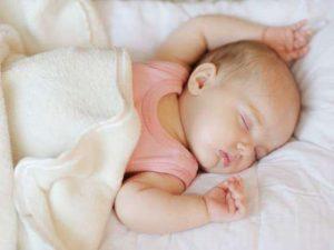 3+ Cách cải thiện trẻ 1 tháng tuổi ngủ không sâu giấc