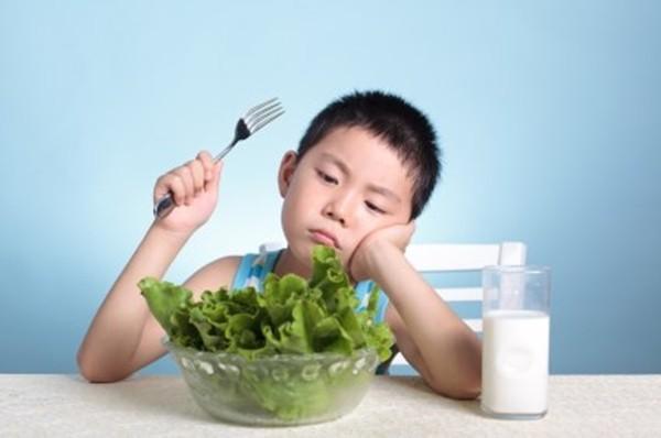 Trẻ 6 tuổi biếng ăn