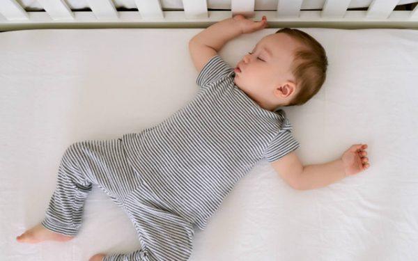 cải thiện giấc ngủ trẻ 1 tuổi