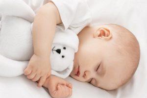 Trẻ 2 tuổi ngủ không sâu giấc – Giải pháp nào là hữu hiệu nhất?