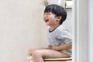 5+ Cách chăm sóc và điều trị cho trẻ 3 tuổi bị táo bón