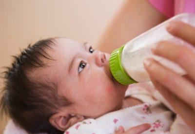 Trẻ dị ứng sữa công thức phải làm sao? 3+ Thông tin cho bố mẹ