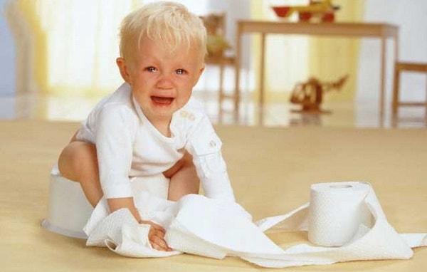 trẻ 2 tuổi bị táo bón