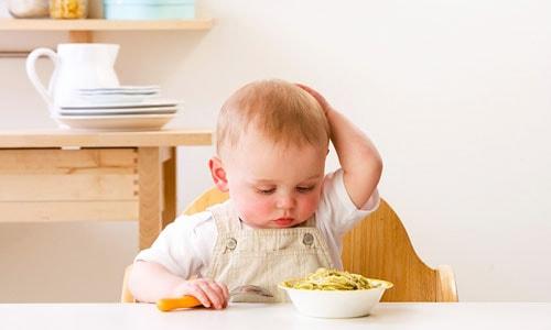 biếng ăn sinh lý trẻ 7 tháng tuổi