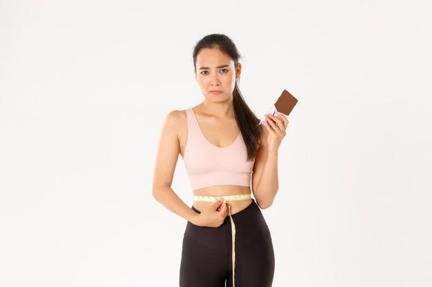 Giảm cân an toàn bằng liệu pháp dinh dưỡng từ chuyên gia kết hợp chocolate đen