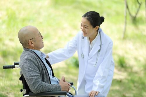 Dinh dưỡng cho bệnh nhân ung thư luôn là vấn đề nhận được sự quan tâm của người bệnh.