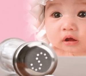 Có nên nêm gia vị cho trẻ dưới 1 tuổi – Khi nào cho trẻ ăn muối ?