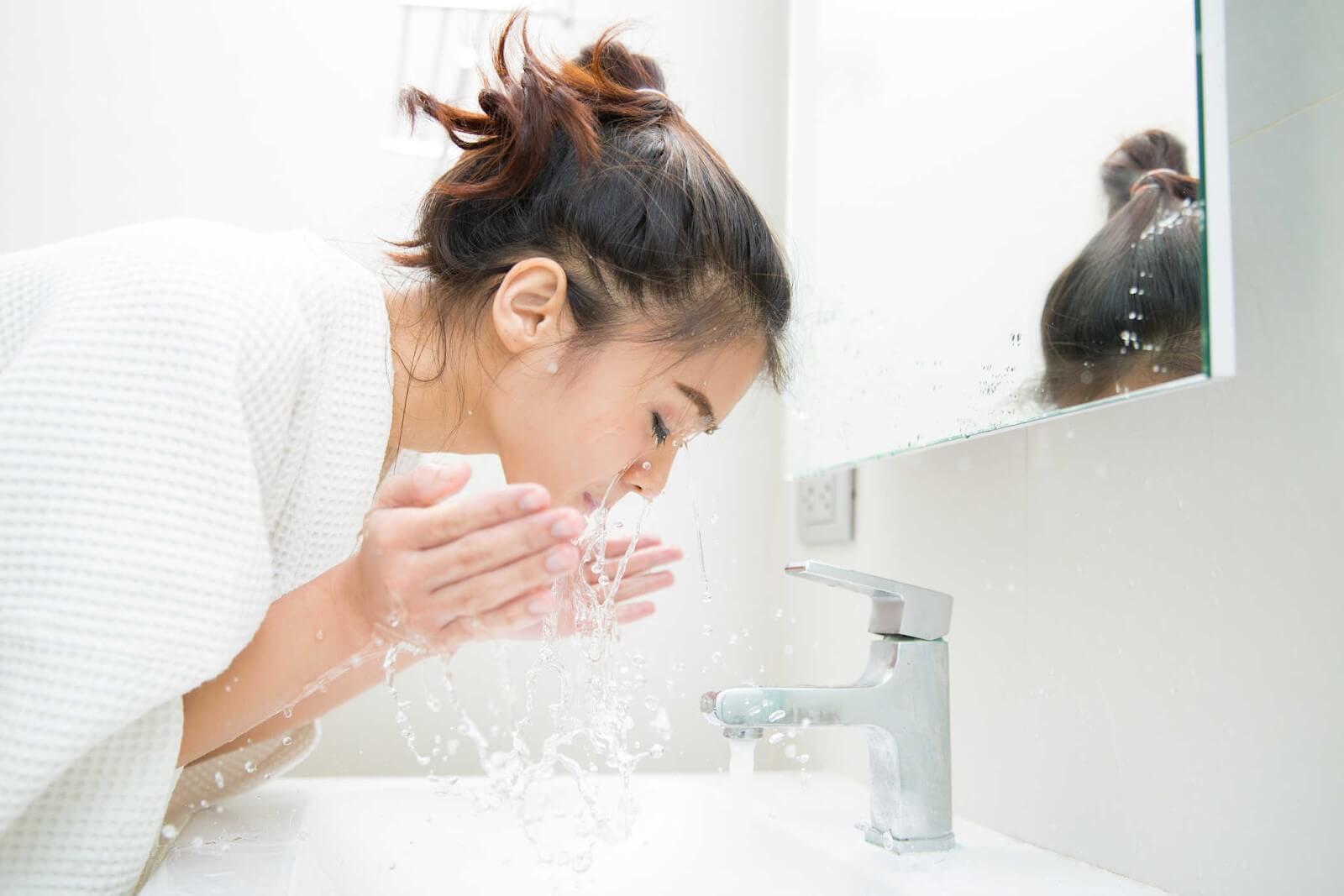 Rửa mặt là bước quan trọng để có làn da đẹp